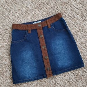 👧 Jean Skirt Girls Size 7 with Faux Leather